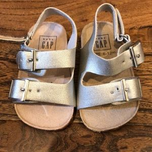 Gap baby sandals silver size 6-12m